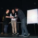 Die 2 Siegerinnen Marianne Kunkel und Svenja Kehlenbeck erhalten ihre Preise