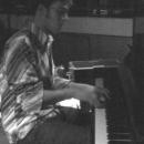 Theo am Klavier