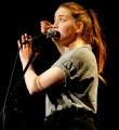 Franziska Holzheimer beim Poetry Slam Erlangen im April 2015.jpg