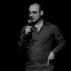 Tobias Föhrenbach beim Poetry Slam Erlangen im Dezember 2010