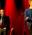 Applausassistent Martin beim Poetry Slam im Dezember 2014