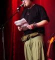 Flach Mann beim Poetry Slam im Dezember 2014