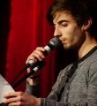 Pascal Simon beim Poetry Slam im Dezember 2014