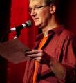 Udo Tiffert beim Poetry Slam im Dezember 2014
