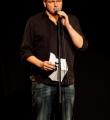 Thomas Schmidt im Finale beim Poetry Slam Erlangen im Dezember 2015