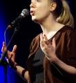 Filo im Halbfinale beim Poetry Slam in Erlangen im Februar 2017