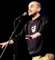 Renato Kaiser beim Poetry Slam in Erlangen im Februar 2017