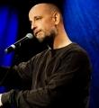 Dalibor beim Poetry Slam in Erlangen im Januar 2017