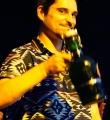 Der Sieger und sein Bier beim Open Air Slam Erlangen im Juli 2015