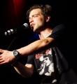 Flo Langbein beim Poetry Slam Erlangen im Juni 2015