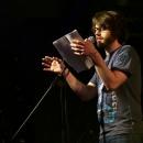 Lukas Spranger beim Poetry Slam Erlangen im Mai 2014