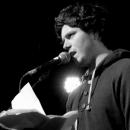 Nils Frenzel imFinale beim Poetry Slam Erlangen im Mai 2014