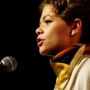 Nina Modauer beim Poetry Slam Erlangen im Mai 2014