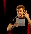 Haris Kovacevic im Finale beim Poetry Slam Erlangen im Mai 2015