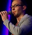 Leo Frühling beim Poetry Slam im November 2014