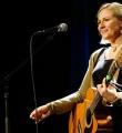 Für zauberhafte musikalische Unterhaltung sorgte Stephanie Forryan beim Poetry Slam Erlangen im November 2015