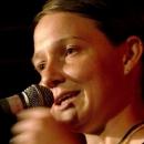 Finalistin Meike Harms beim Poetry Slam Erlangen im Oktober 2013