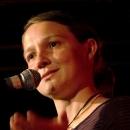 Meike Harms beim Poetry Slam Erlangen im Oktober 2013