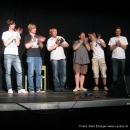 """Am Ende jedes Slams kommen die Poeten nochmal auf die Bühne um sich feiern zu lassen beim Poetry Slam Erlangen """"Sommer Spezial"""" August 2010"""